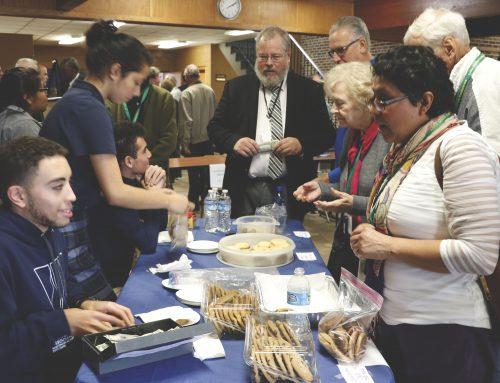 Seniors Raise Over $400 at Bake Sale