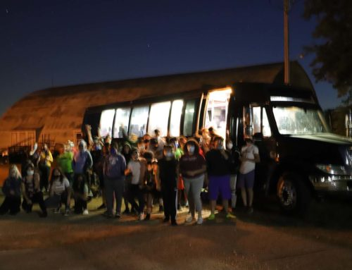Students Welcome New Bus