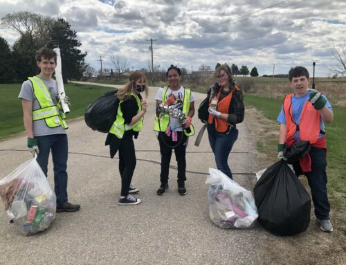 Students Clean Up Highway